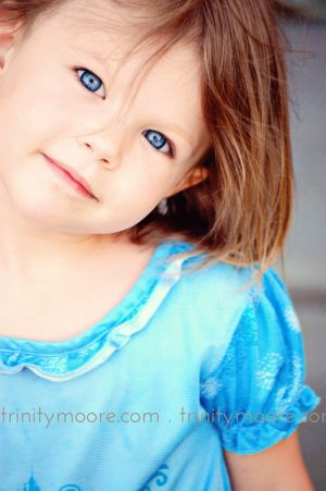 blue-eyes-candid-girl-child-portrait.jpg