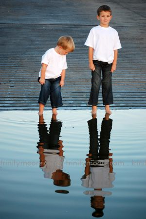 boy-brothers-reflection-child-portrait.jpg