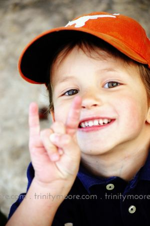 orange-texas-hat-child-portrait.jpg